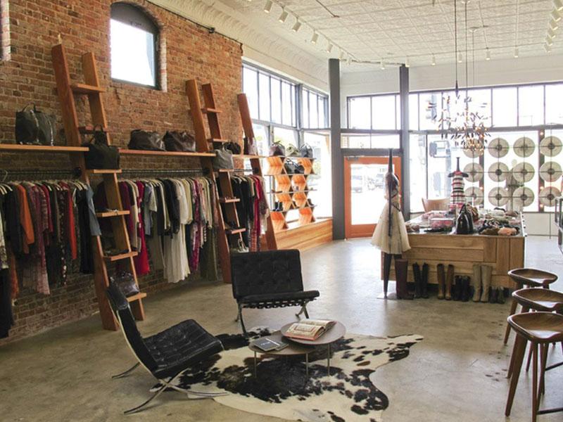 Tips about lighting and decoration shop apparel 1 نکاتی درباره دکوراسیون و نورپردازی مغازه پوشاک