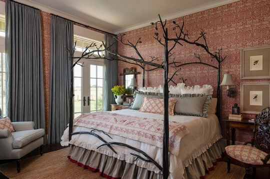 Farmhouse style bedroom with custom bed and striking wallpaper 540x359 دکور بالای تختخواب