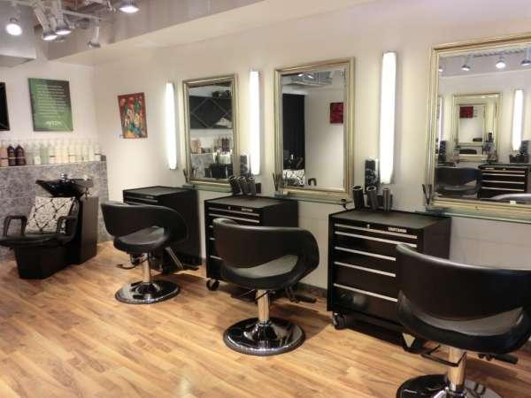 hairdressers decoration8 دکوراسیون آرایشگاه مردانه