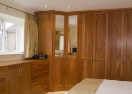 Closet bedrooms 1 260x185 مطالب دکوراسیون