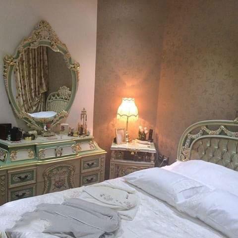 aroos1 چیدمان و تزیین اتاق خواب عروس